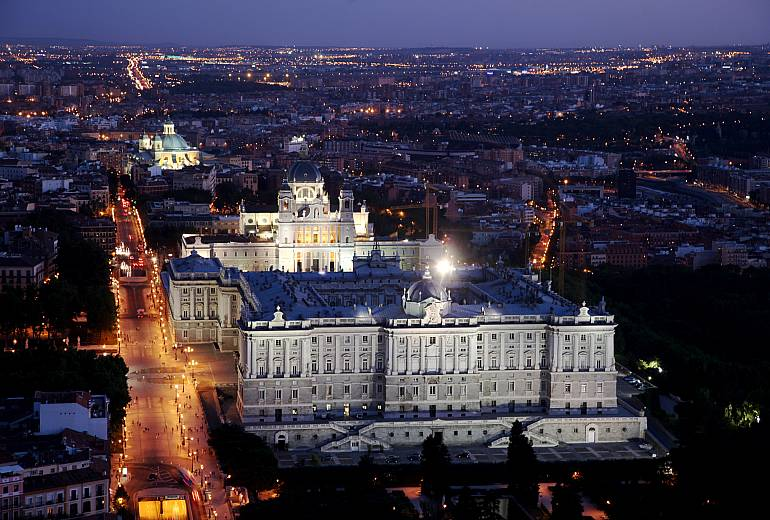 Madrid: Almudena Cathedral and Royal Palace